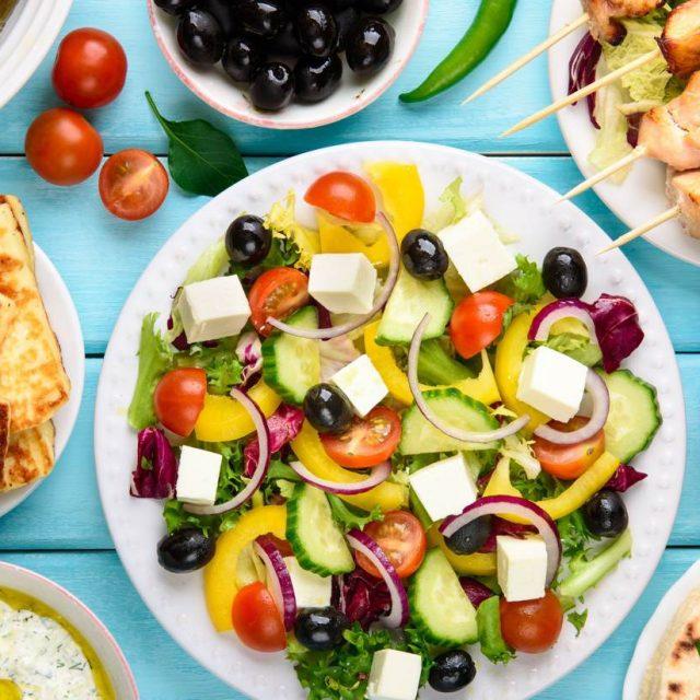 https://www.lagastronomiadiavigno.com/wp-content/uploads/2020/06/shu-Greek-food-533599030-1440x823-1-640x640.jpg
