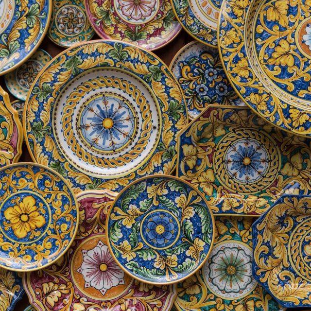 https://www.lagastronomiadiavigno.com/wp-content/uploads/2021/02/sicilia-caltagirone-ceramica-640x640.jpg